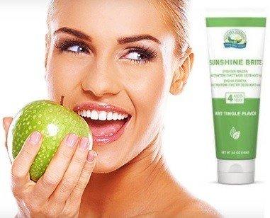 зубная паста и сода для отбеливания зубов